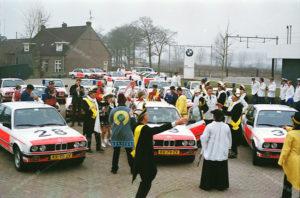 Algemene Verkeersdienst, Rijkspolitie, BMW 323i, KK-78-ZV, Alex 1228, KK-79-ZV, Alex 1229, KK-80-ZV, Alex 1230, BMW Ravenstein, pastoor, carnavalsvereniging.