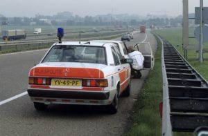 Algemene Verkeersdienst, Rijkspolitie, Mercedes 190, YV-49-PF, Alex 1239, Henk Hadderingh.