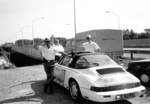 Algemene Verkeersdienst, Rijkspolitie, Porsche 911-964 targa, YL-82-FL, Alex 1227, Bert Hartman, korte broek, radarcontrole.