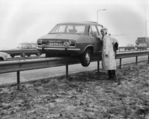 Algemene Verkeersdienst, Rijkspolitie, 51-HN-21, Peugeot 504, Alex 1204.