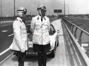 Algemene Verkeersdienst, Rijkspolitie, Groep Surveillance Autosnelwegen (SAS), Alex 1202, 06-82-RD, Renger van de Biezen, Willem Anker, klaverblad Oudenrijn, A2, A12.