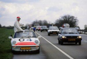 Algemene Verkeersdienst, Rijkspolitie, Porsche 911 targa, TT-99-FR, Alex 1204, Henk Heurkens, Peter Vierveijzer.
