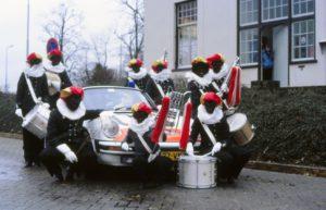 Algemene Verkeersdienst, Rijkspolitie, Groep Surveillance Autosnelwegen (SAS), Alex HJ-37-VK, Alex 1206, zwarte pieten.