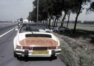 Algemene Verkeersdienst, Rijkspolitie, Porsche 911 targa, HJ-40-VK, Alex 1203, megafoon.