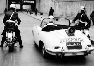 Algemene Verkeersdienst, Rijkspolitie, Groep Surveillance Autosnelwegen (SAS), Alex 4401/2701, ED-54-29, opening rijksweg 4a.