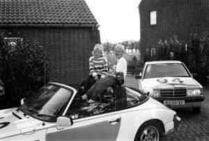 Algemene Verkeersdienst, Rijkspolitie, Mercedes 190, PJ-30-XY, Alex 1294, Bob ter Haar, Ton de Goeij, Mariska ter Haar, Laura de Goeij, Grathem.