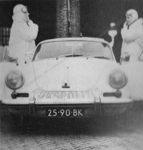 Sectie bijzondere verkeerstaken, Algemene Verkeersdienst, Rijkspolitie, Groep Surveillance Autosnelwegen (SAS), 25-90-BK, Hennie Doppenberg.